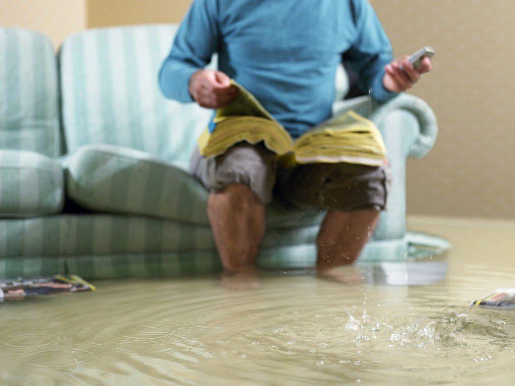 Экспертиза мебели при затоплении